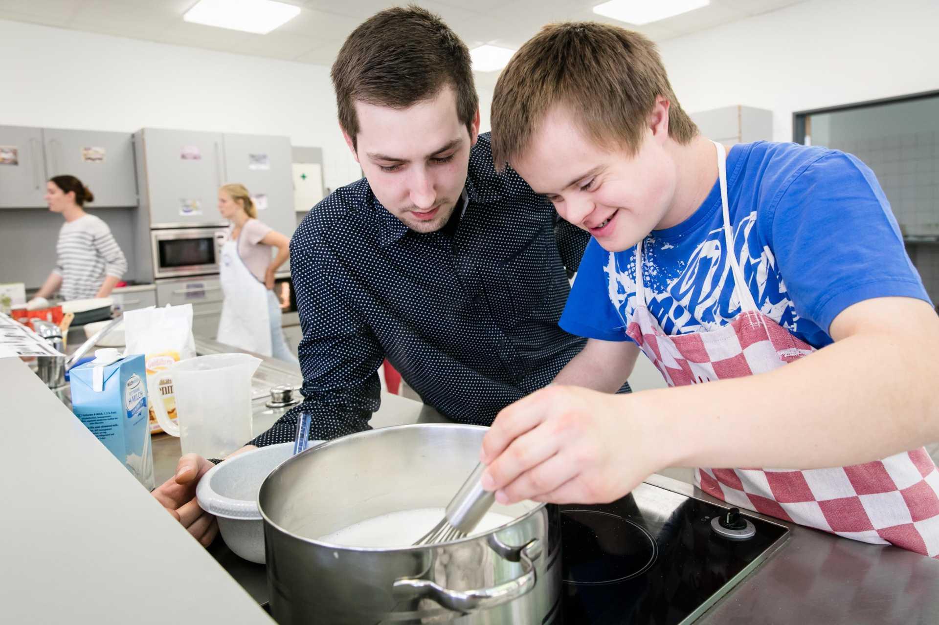Neue Lehrküche für die Schüler der Maximilian-Kolbe-Schule