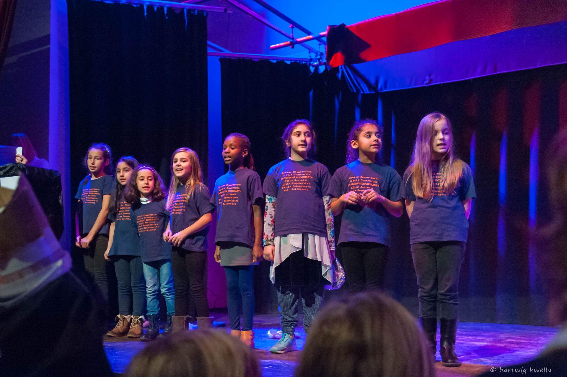 Kleine Kosmonauten singen für Senioren
